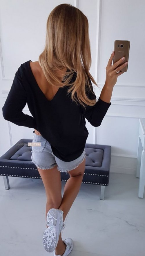 T-shirt V BLACK
