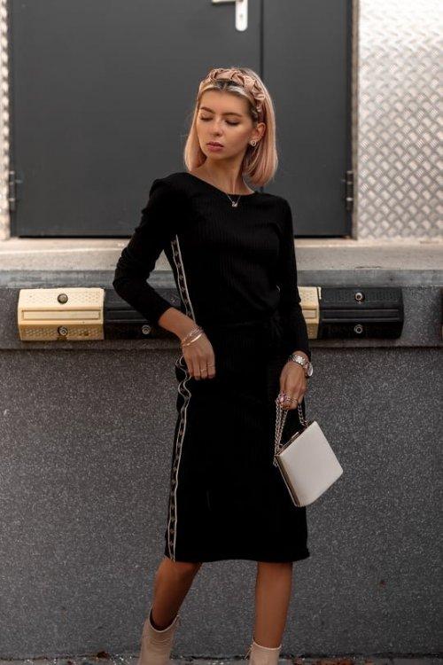 Sukienka LAMOUR czarna