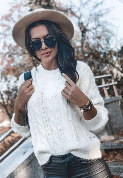 Sweter PEACE śmietanowy