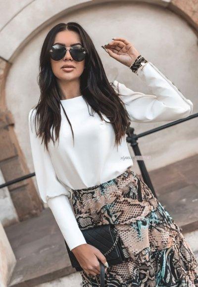 Bluzka NICEA biała z czarnymi guzikami