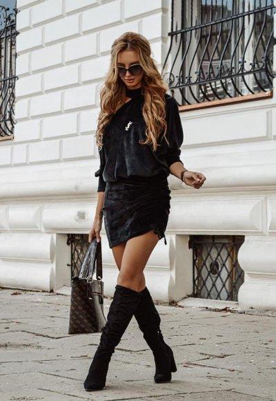 Sukienka CHIC czarna welurowa
