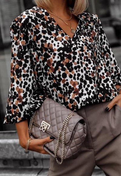 Bluzka EVIA biała w kolorowe plamki